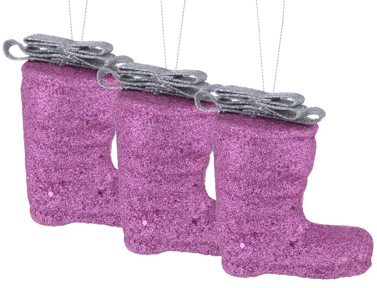 Набор елочных украшений EuroHouse Сапожок, цвет: сиреневый, серебряный, 8 см, 3 штЕХ7438_сиреневыйНабор новогодних елочных украшений EuroHouse Сапожок прекрасно подойдет для праздничного декора новогодней ели. Набор состоит из 3 пластиковых украшений в виде сапожков, оформленных блестками и бантиками. Для удобного размещения на елке для каждого украшения предусмотрена текстильная петелька. Елочная игрушка - символ Нового года. Она несет в себе волшебство и красоту праздника. Создайте в своем доме атмосферу веселья и радости, украшая новогоднюю елку нарядными игрушками, которые будут из года в год накапливать теплоту воспоминаний. Откройте для себя удивительный мир сказок и грез. Почувствуйте волшебные минуты ожидания праздника, создайте новогоднее настроение вашим дорогим и близким. Высота украшений: 8 см.