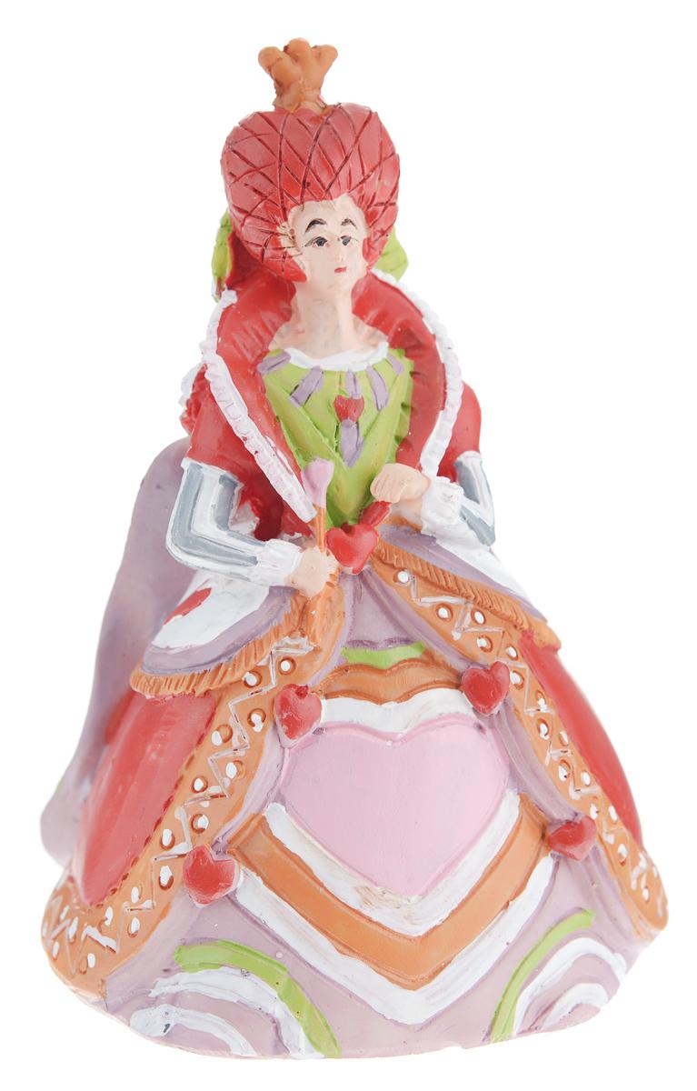 Новогоднее декоративное украшение Феникс-презент Злая королева карт38261Новогоднее украшение Феникс-презент Злая королева карт, изготовленное из высококачественного полирезина, прекрасно подойдет для праздничного декора дома и новогодней ели. Изделие можно повесить или просто поставить в любом понравившемся вам месте. Елочная игрушка - символ Нового года. Она несет в себе волшебство и красоту праздника. Создайте в своем доме атмосферу веселья и радости, украшая новогоднюю елку нарядными игрушками, которые будут из года в год накапливать теплоту воспоминаний.