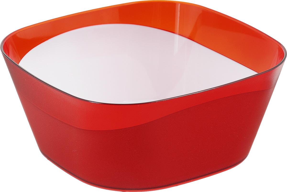 Салатник Berossi Valery, цвет: красный, прозрачный, 1 лИК14612000Квадратный салатник Berossi Valery изготовлен из прочного пластика и идеально подходит для сервировки стола. Салатник не только украсит ваш кухонный стол и подчеркнет прекрасный вкус хозяйки, но и станет отличным подарком. Размер салатника: 15,5 см х 15,5 см х 6,5 см. Объем салатника: 1 л.