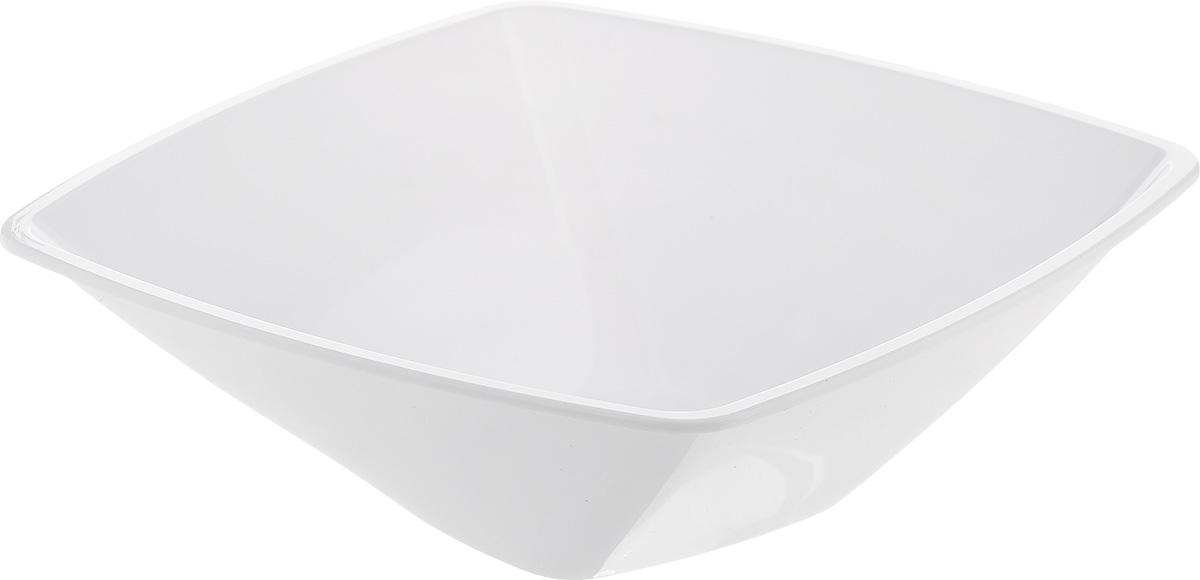 Салатник Berossi Domino Twist, цвет: снежно-белый, 0,7 лИК11801000Квадратный салатник Berossi Domino Twist изготовлен из пластика и идеально подходит для сервировки стола. Этот салатник не только украсит ваш кухонный стол и подчеркнет прекрасный вкус хозяйки, но и станет отличным подарком. Размер салатника: 17.5 см х 17,5 см х 6 см. Объем салатника: 0,7 л.