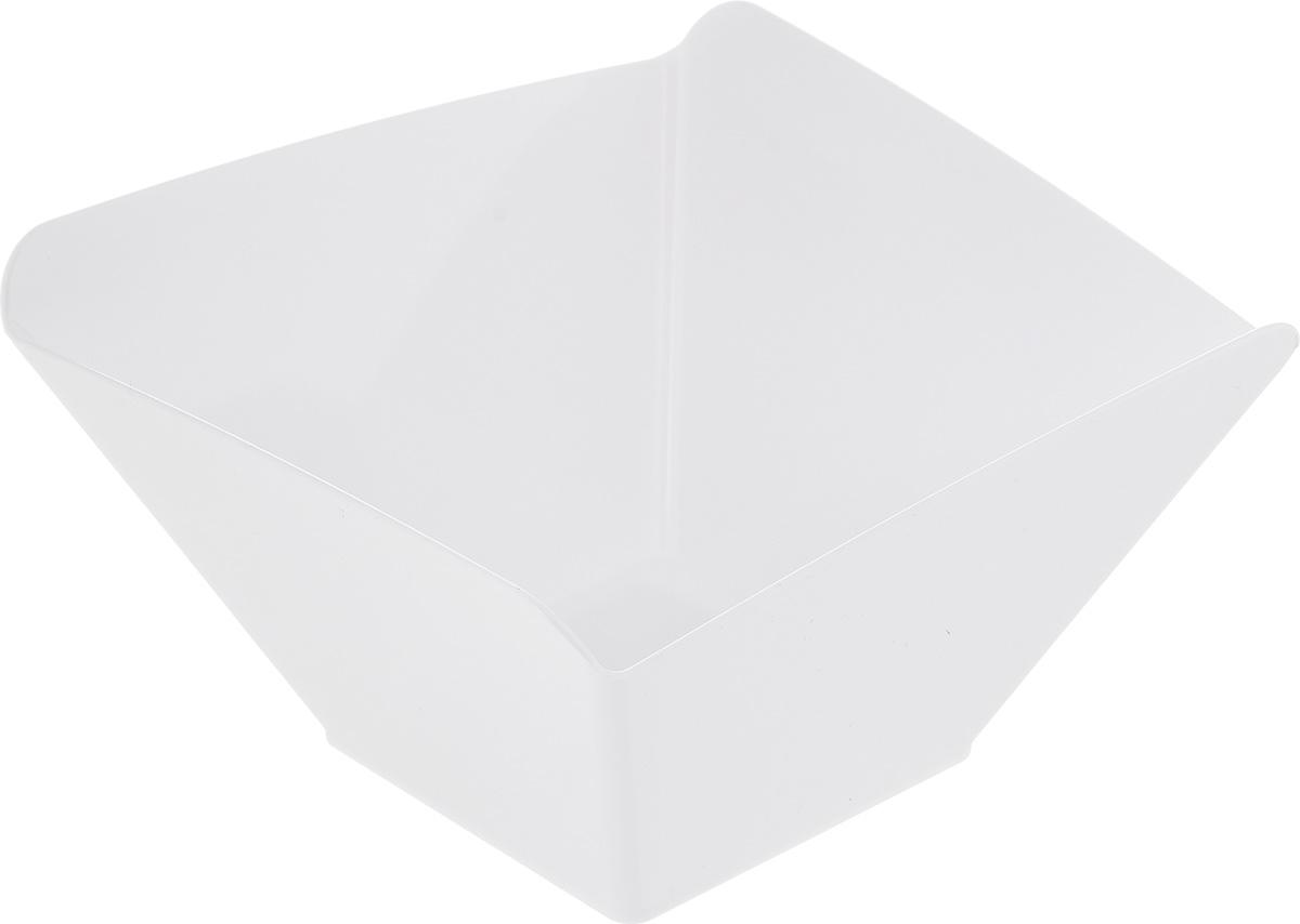 Салатник Berossi Domino Sweet, цвет: снежно-белый, 0,7 лИК13501000Салатник Berossi Domino Sweet изготовлен из высококачественного пластика и предназначен для сервировки стола. В таком салатнике можно подать к столу конфеты, небольшие фрукты, различные салаты. Размер салатника: 14,5 см х 14,5 см х 8,5 см. Объем: 0,7 л. Салатник Berossi Domino Sweet станет прекрасным дополнением к коллекции вашей кухонной посуды.
