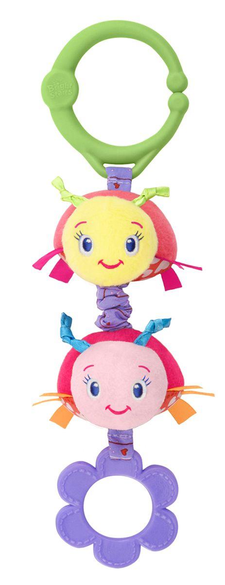 Bright Starts Развивающая игрушка Дрожащий дружок Божьи коровки52073-1Развивающая игрушка Bright Starts Дрожащий дружок: Божьи коровки непременно порадует вашего малыша! Нужно только потянуть за игрушку, и она задрожит! Подвеска содержит различные текстуры, приятные на ощупь, а также прорезыватель. С помощью удобного кольца игрушка легко крепится на коляску, кроватку, развивающий коврик.