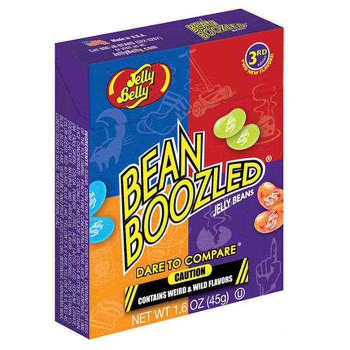 Jelly Belly Bean Boozled драже жевательное, 45 гУТ-00000353Конфеты Jelly Belly в последнее время стали очень популярны, за свой удивительный вкус, который передаётся на 100% правдоподобно. Так что эти конфеты действительно ну очень вкусные. Попробовав одну конфетку, будет сложно остановится! Набор содержит конфетки со странными вкусами: собачьего корма, вонючих носков, скошенной травы, детских подгузников, тухлого яйца, зубной пасты, рвоты и соплей. Такое драже станет превосходным подарком-розыгрышем для ваших друзей.