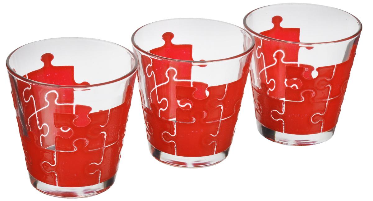 Набор стаканов Cerve Пазл красный, 250 мл, 3 штCEM42500Набор Cerve Пазл красный состоит из 3 стаканов, изготовленных из высококачественного стекла. Изделия оформлены изображениями красных пазлов. Декоративные элементы выполнены из силикона. Такой набор прекрасно дополнит праздничный стол и станет желанным подарком в любом доме. Разрешается мыть в посудомоечной машине. Диаметр стакана (по верхнему краю): 9 см. Высота стакана: 9 см.