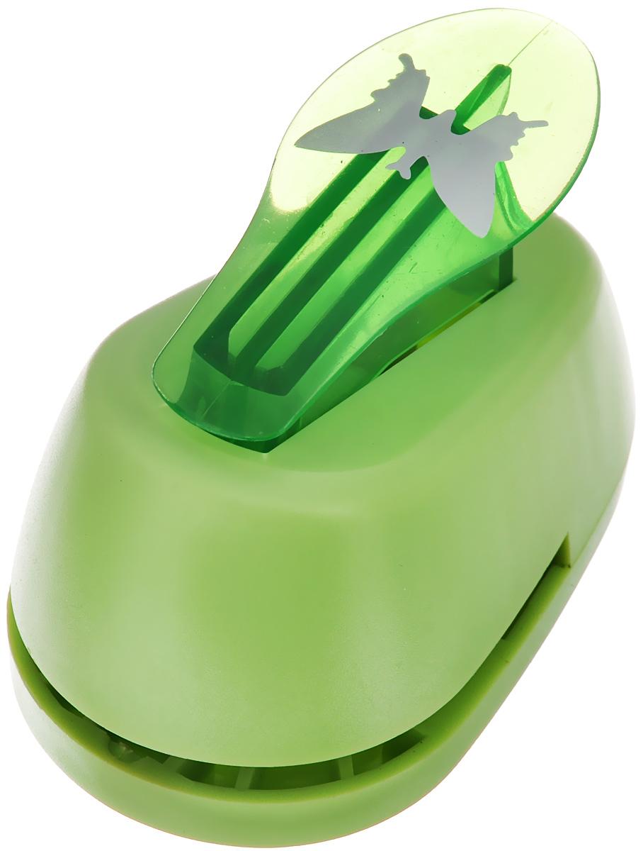 Дырокол фигурный Hobbyboom Бабочка, №31, цвет: зеленый, 2,5 см х 1,7 смCD-99M-031_зеленыйФигурный дырокол Hobbyboom Бабочка, изготовленный из пластика и металла, предназначен для создания творческих работ в технике скрапбукинг. С его помощью можно оригинально оформить открытки, украсить подарочные коробки, конверты, фотоальбомы. Дырокол вырезает из бумаги идеально ровные фигурки в виде бабочек, также используется для прорезания фигурных отверстий в бумаге. Предназначен для бумаги определенной плотности - до 200 г/м2. При применении на бумаге большей плотности или на картоне дырокол быстро затупится. Чтобы заточить нож компостера, нужно прокомпостировать самую тонкую наждачку. Порядок работы: вставьте лист бумаги или картона в дырокол и надавите рычаг. Размер вырезаемой части: 2,5 см х 1,7 см.