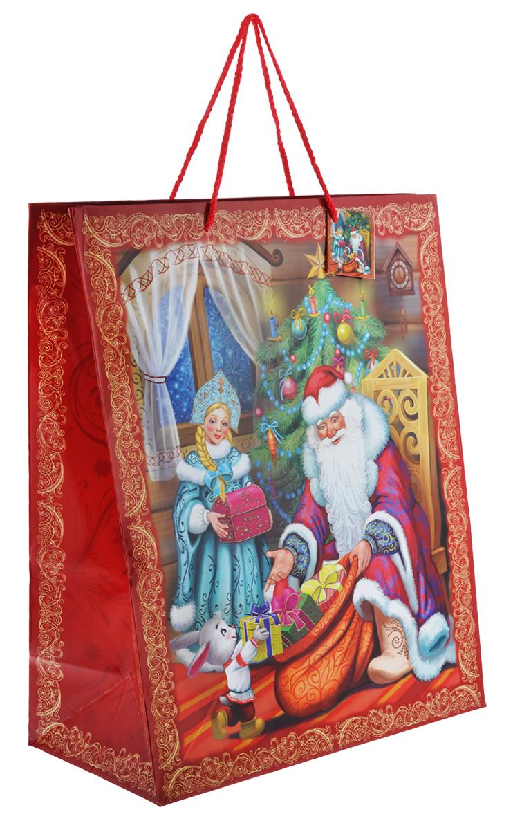 Пакет подарочный Феникс-Презент Дед Мороз и Снегурочка, 41 х 49 х 20 см35248Подарочный пакет Феникс-презент Дед Мороз и Снегурочка, изготовленный из плотной бумаги, станет незаменимым дополнением к выбранному подарку. Дно изделия укреплено картоном, который позволяет сохранить форму пакета и исключает возможность деформации дна под тяжестью подарка. Для удобной переноски на пакете имеются две ручки из шнурков. Подарок, преподнесенный в оригинальной упаковке, всегда будет самым эффектным и запоминающимся. Окружите близких людей вниманием и заботой, вручив презент в нарядном, праздничном оформлении.