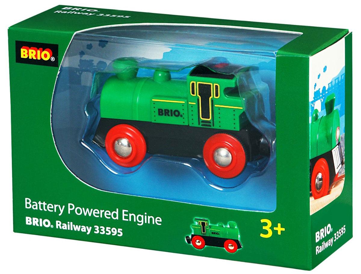 Brio Железная дорога Поезд33595Этот классический поезд на батарейках может двигаться вперед и назад и имеет подсветку. Работает от 1 батарейки типа ААА. Размер 9х4х5см.