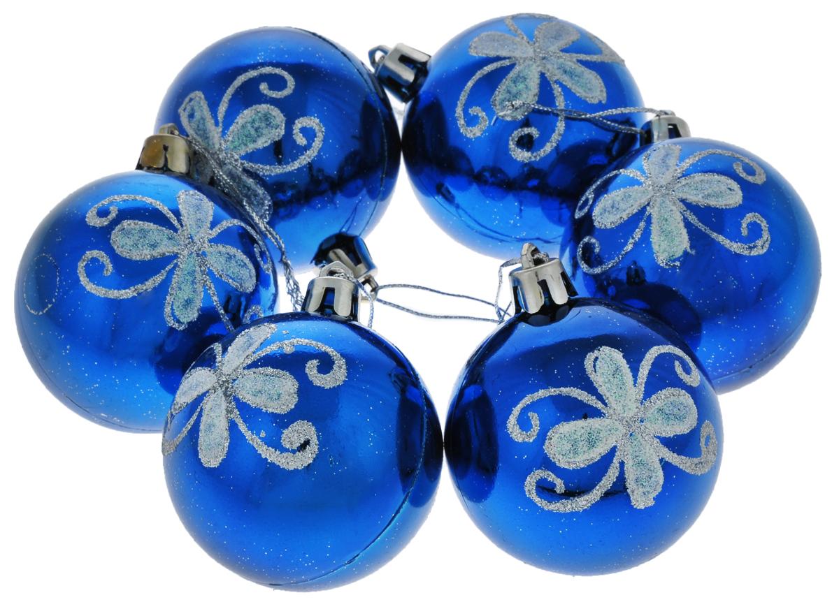 Набор новогодних подвесных украшений Euro House, цвет: синий, серебристый, диаметр 6 см, 6 шт. ЕХ 9228ЕХ 9228Набор новогодних подвесных украшений Euro House прекрасно подойдет для праздничного декора новогодней ели. Набор состоит из 6 пластиковых украшений в виде глянцевых шаров, оформленных ярким изображением цветочных узоров и блестками. Для удобного размещения на елке для каждого украшения предусмотрена петелька, выполненная из текстиля. Елочная игрушка - символ Нового года. Она несет в себе волшебство и красоту праздника. Создайте в своем доме атмосферу веселья и радости, украшая новогоднюю елку нарядными игрушками, которые будут из года в год накапливать теплоту воспоминаний. Откройте для себя удивительный мир сказок и грез. Почувствуйте волшебные минуты ожидания праздника, создайте новогоднее настроение вашим дорогим и близким.