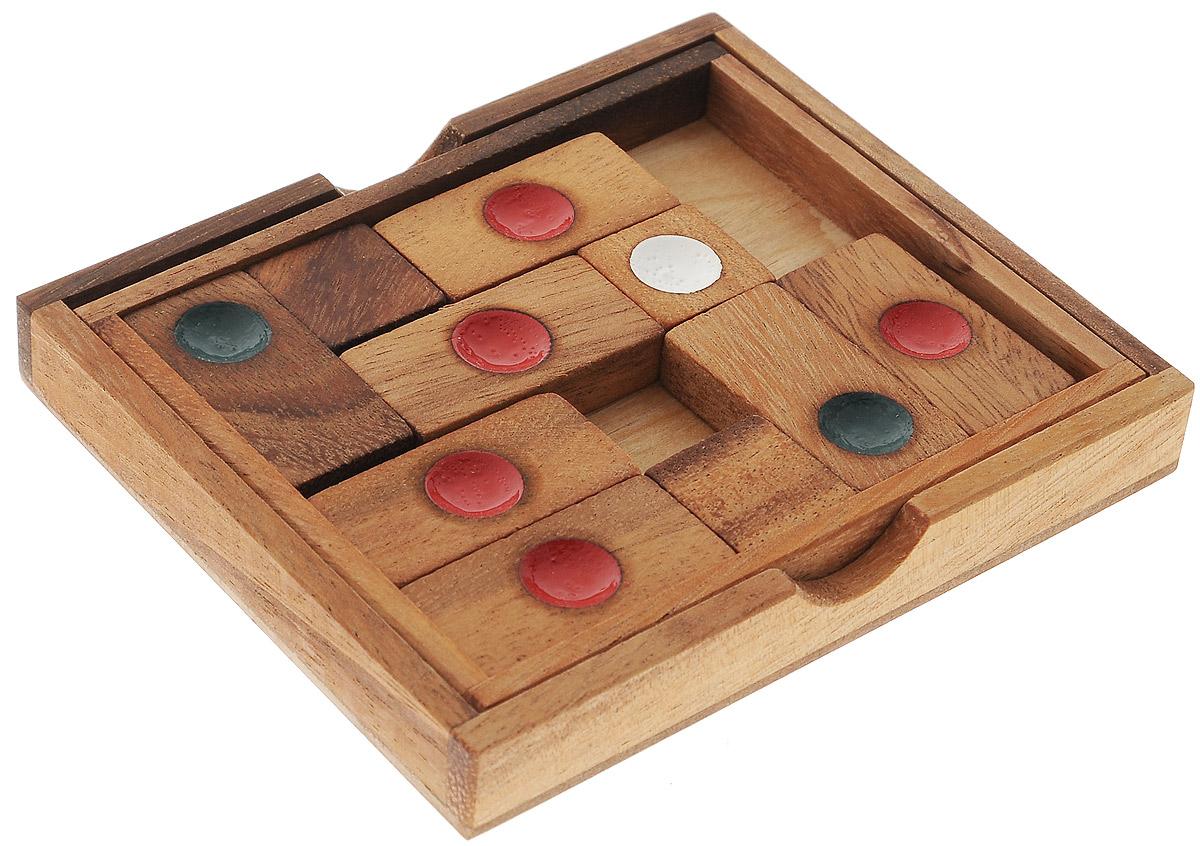 Dilemma Головоломка БлокадаIQ342Головоломка Dilemma Блокада, выполненная из дерева, станет отличным подарком всем любителям головоломок! Цель этой головоломки - передвинуть два блока в форме буквы L друг к другу так, чтобы они сложились в прямоугольник. Изначально детали находятся в таком положении, как показано на фотографии. Блоки нельзя вынимать из подставки или переворачивать. Другая часть игры - достичь того же результата за ограниченное количество ходов. Слишком сложно? Тогда вы можете воспользоваться предложенным решением в качестве подсказки. Игра рассчитана на одного игрока. Головоломка Dilemma Блокада стимулирует логику, пространственное мышление и мелкую моторику рук.
