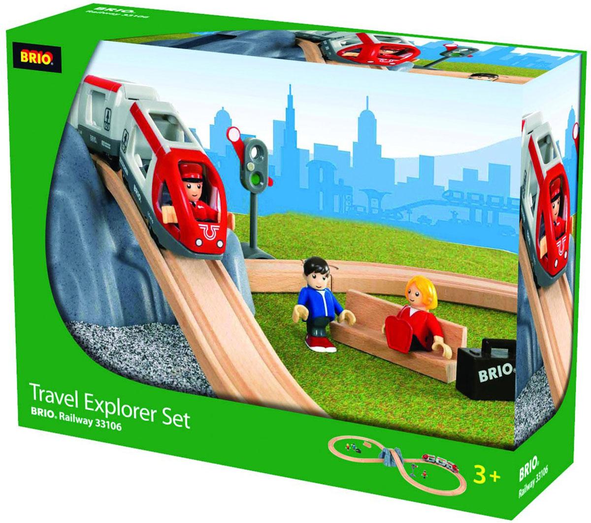 Brio Железная дорога Туннель в горе33106Железная дорога Brio Туннель в горе порадует любого малыша, интересующегося железными дорогами. Набор включает в себя железнодорожное полотно - конфигурация восьмерка, в центре которой располагается гора с туннелем. Пассажирский железнодорожный состав из трех вагонов необходимо катать руками. Фигурки пассажиров можно сажать в вагоны состава. Для регулировки движения в набор имеется механический семафор. Паровозик и вагончики соединяются друг с другом с помощью магнита. Железные дороги позволяют ребенку не только получать удовольствие от игры, но и развивать пространственное воображение, мелкую моторику и координацию движений. Набор совместим со всеми железными дорогами и паровозиками Brio.