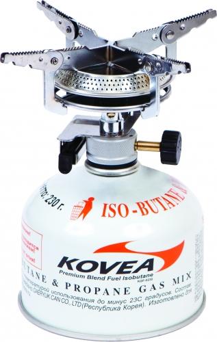 Горелка газовая Kovea Hiker Stove KB-040820-5-036Газовая горелка Kovea KB-0408 Hiker Stove - популярная надежная газовая горелка с пьезоподжигом для широкого круга интересов. Широкие раскладные лапки конфорки и самая большая в модельном ряду головка позволяют ставить на газовую горелку посуду большой емкости и готовить пищу на несколько человек. Газовая горелка достаточно проста в эксплуатации, благодаря чему ее можно использовать и в кемпинге, и на рыбалке. Газовая горелка работает от газового баллона резьбового стандарта, но возможно и подсоединение к цанговому газовому баллону при помощи адаптера со шлангом Cobra. Газовые баллоны приобретаются отдельно. Комплектация: горелка, пластиковый кофр, инструкция по эксплуатации. Мощность: 2 кВт. Топливо: газ. Расход топлива: 148 г/ч. Диаметр горелки: 15 см. Вес: 232 г. Размер в походном положении: 96 мм х 88 мм х 90 мм.