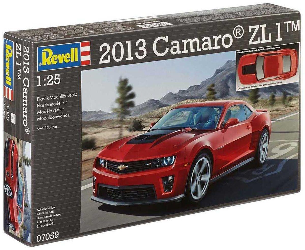 Revell Сборная модель Автомобиль 2013 Camaro ZL 107059RС помощью сборной модели Revell Автомобиль 2013 Camaro ZL 1 вы и ваш ребенок сможете собрать уменьшенную копию одноименного автомобиля. Набор включает в себя 48 пластиковых элементов для сборки. ZL1 - это топ-версия купе Camaro, которая была представлена на мотор-шоу в Чикаго в 2011 году. Отличительными чертами купе Chevrolet Camaro ZL1 стали видоизменённая фальшрадиаторная решётка, переделанные бамперы и новые пороги. Также в наборе схематичная инструкция по сборке. Процесс сборки развивает интеллектуальные и инструментальные способности, воображение и конструктивное мышление, а также прививает практические навыки работы со схемами и чертежами. Уровень сложности: 3. УВАЖАЕМЫЕ КЛИЕНТЫ! Обращаем ваше внимание на тот факт, что элементы для сборки не покрашены. Клей и краски в комплект не входят.
