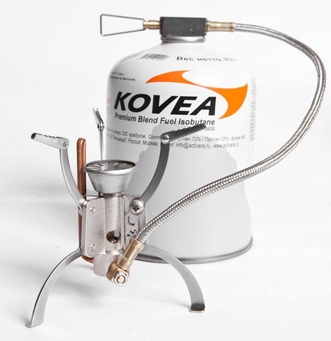 Горелка газовая Kovea Hose Stove Camp-5 KB-1006, со шлангом23564Газовая горелка Kovea Hose Stove Camp-5 создана специально для российских пользователей, которые потребовали создать легкую, компактную и мощную горелку со шлангом, подходящую для экстремальных условий. В конструкции применена головка новой формы, которая дает очень мощное высокое пламя, не задуваемое ветром. Это дает возможность готовить в сложных погодных условиях, когда нужно быстро вскипятить воду (литр примерно за 3 минуты) в небольшой посуде для 1-2 человек. Полному сгоранию и экономии топлива способствует наличие предварительного подогрева газа. Горелка комплектуется пъезоподжигом, который выполнен в виде отдельного элемента и помещается в пластиковый кофр, вместе с горелкой. Используется топливо в резьбовых газовых баллонах KGF-0230 и KGF-0450. Также возможно использование цангового баллона KGF-0220 при наличии переходника KA-9504. Данные аксессуары для горелки приобретаются отдельно. Camp-5 - это лучший выбор для штурмовой двойки...