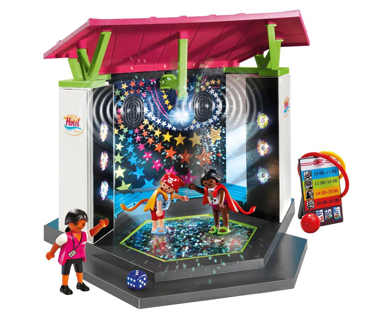 Playmobil Игровой набор Отель Детский клуб с танцплощадкой5266pmИгровой набор Playmobil Отель: Детский клуб с танцплощадкой не даст ребенку скучать. Днем на танцплощадке можно проводить спортивные занятия с прилучающимся инвентарем, а вечером она может становиться веселой дискотекой. Танцплощадка оснащена звуковыми и световыми эффектами. Например, при включении танцплощадки с двух ее сторон мигают три прожектора, а сверху горит дискотечный шар. К набору прилагается кабель, который можно подключить к плееру, телефону или другому устройству и на площадке зазвучит любимая музыка. В набор входит: две фигурки детей, фигурка взрослого, пальма, провод mp3, стенд с рекламой, мяч, кубик, кукла, 2 обруча, 8 кеглей, 2 накидки с хвостиками. Игровые наборы Playmobil помогают ребенку развить фантазию, координацию движения, ритмичность. Характеристики: Высота фигурки взрослого: 7,5 см. Высота фигурки ребенка: 5,25 см. Изготовитель: Германия. Необходимо докупить 4 батарейки...