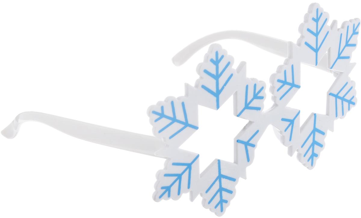 Очки карнавальные Феникс-Презент Снежинки. 3430434304Карнавальные очки Феникс-Презент Снежинки, выполненные из пластика в виде снежинок, отлично дополнят ваш маскарадный костюм и помогут создать яркий образ. Очки предназначены для быстрого и необременительного перевоплощения на костюмированной вечеринке или маскараде. Сделайте свой праздник веселым и ярким!
