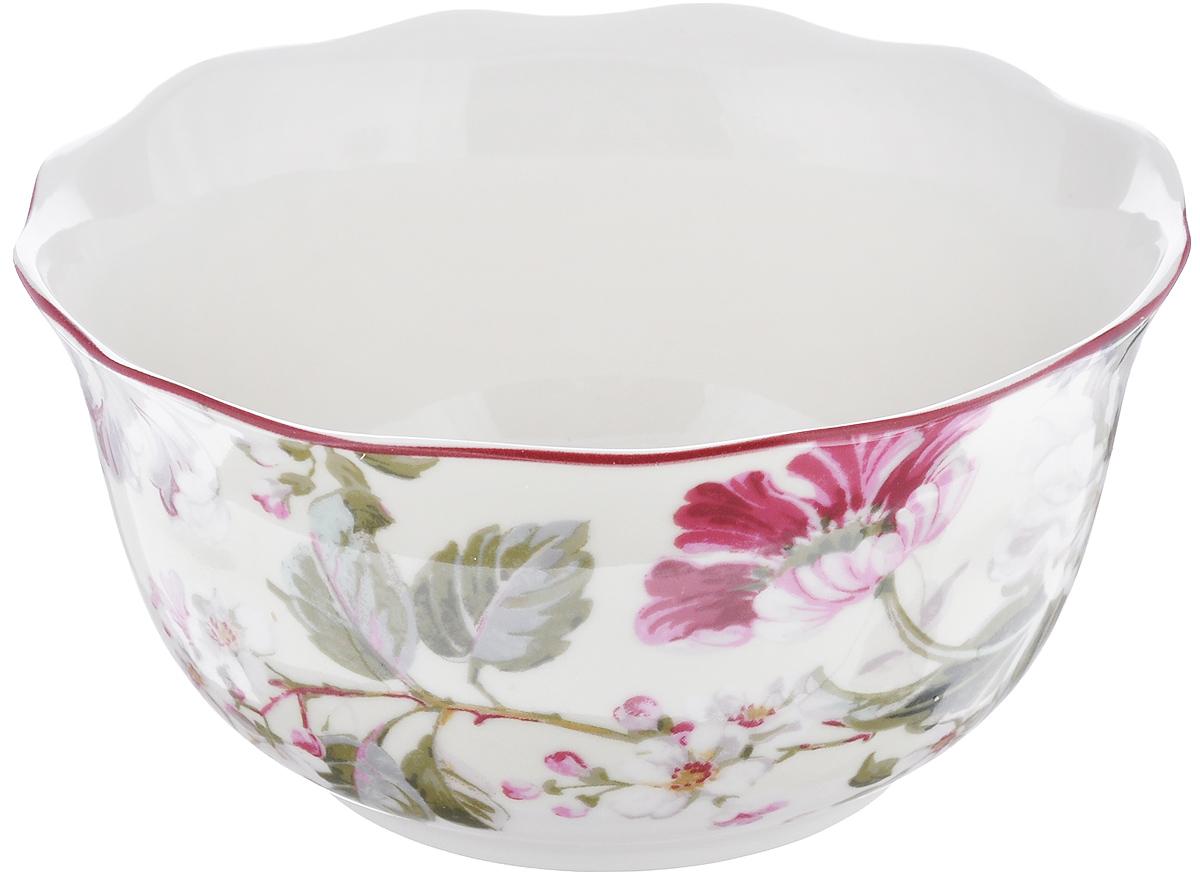 Салатница Utana Жизела, диаметр 14,5 смUTGC97640Салатница Utana Жизела, изготовленная из высококачественной керамики, украшена изысканным цветочным рисунком. Изделие прекрасно подойдет для холодных и горячих блюд: каш, хлопьев, супов, салатов и многого другого. Оригинальная салатница станет украшением любого стола и прекрасно подойдет для использования, как дома, так и на даче или пикниках. Можно использовать в СВЧ и мыть в посудомоечной машине. Диаметр салатницы (по верхнему краю): 14,5 см. Высота стенки: 7,5 см.