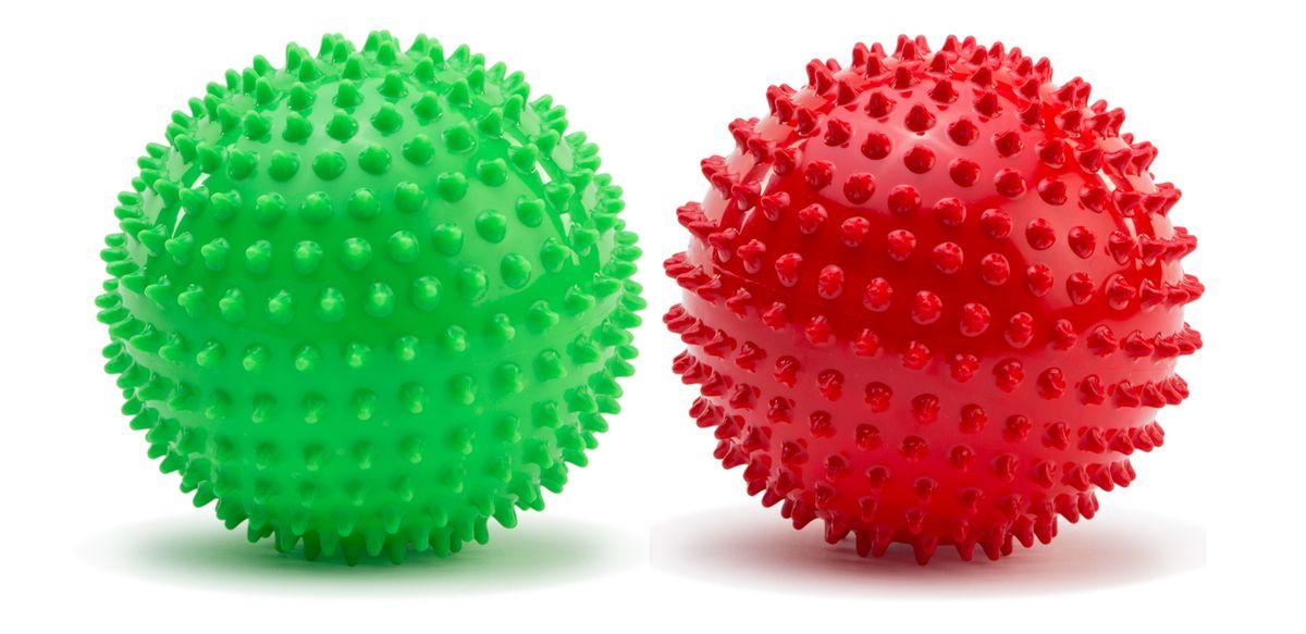 Picnmix Развивающая игрушка Набор из двух малых мячей113003Набор из 2-х массажно-игровых малых (D-12см) мячей красного и зеленого цветов. Мячи способоствуют гармоничному развитию всей мускулатуры ребенка, тренировке реакции, координации, цветового и тактильного восприятия. Подходит для игр в воде. Мячи снабжены ниппелем.