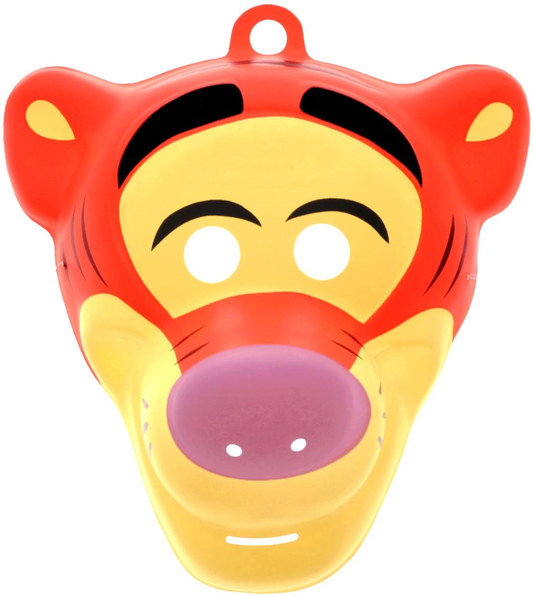 Disney Маска карнавальная Тигра23779Отправляясь на детский праздник, почему бы не создать образ веселого Тигры из мультфильма Винни-Пух? Для этого пригодится маска, которую можно использовать даже в качестве единственного карнавального элемента в одежде малыша. Надев ее, юный участник костюмированного представления легко перевоплощается в любимого персонажа. Изделие на резинке, поэтому легко подогнать под нужный размер. В маске имеются прорези не только для глаз ребенка, но и возле носа для обеспечения доступа воздуха. Изготовлена из безопасных и прочных материалов. Маска карнавальная Disney Тигра является отличным решением для карнавалов, утренников и просто детских праздников.