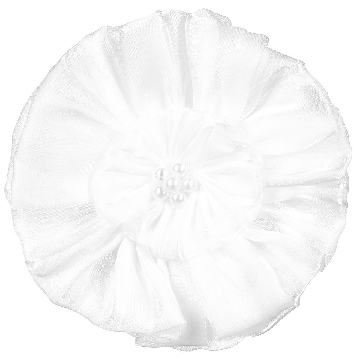 Резинка-бант Fashion House, цвет: белый. FH31827FH31827Резинка для волос Fashion House выполнена из текстиля белого цвета, украшена большим цветком центр которого оформлен пластиковыми бусинами. Диаметр резинки:3 см.