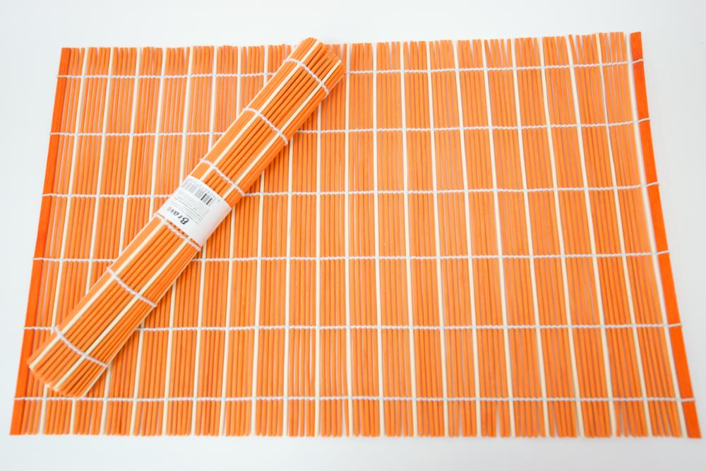 Набор салфеток для сервировки Bravo, цвет: оранжевый, бежевый, 30 х 45 см, 4 шт183Набор Bravo состоит из 4 бамбуковых салфеток. Салфетки из бамбука используются для сервировки стола в качестве подложки под столовые приборы, а также подставок под горячее. Изделия предохраняют поверхность стола от механических воздействий и загрязнений. Могут использоваться как элемент декора, создавая особую атмосферу уюта и тепла. Очень практичны и просты в уходе, долговечны, легко моются и не впитывают запахи, и кроме того, обладают антиаллергенными и антимикробными свойствами.