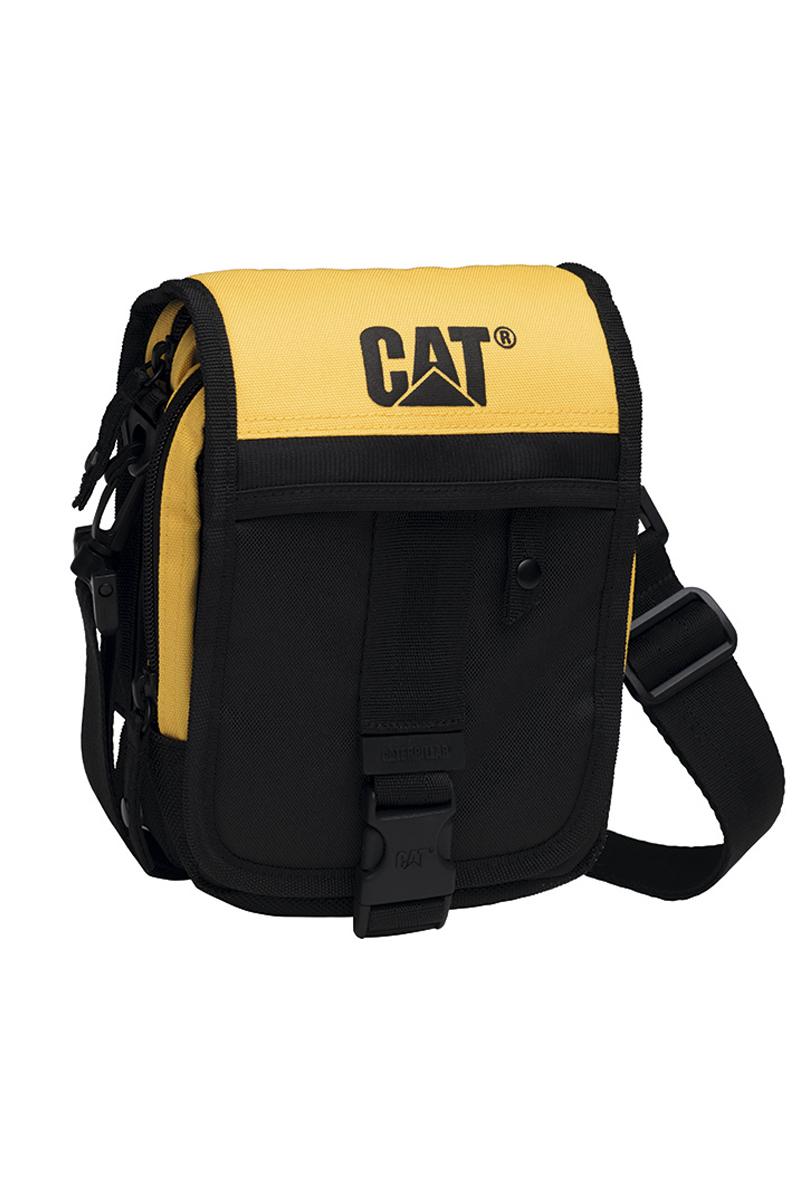 Сумка на плечо Caterpillar Ronald, цвет: черный, желтый, 2 л80002-12Стильная сумка Caterpillar Ronald выполнена из полиэстера. Изделие имеет два основных отделения, которые закрываются на застежки-молнии. Внутри одного из отделений имеется накладной карман на липучке. Закрывается изделие на клапан с пластиковой защелкой. Снаружи, на передней стенке под клапаном находится накладной открытый кармашек, два держателя для авторучек и прорезной карман на застежке-молнии, внутри которого предусмотрен текстильный ремешок с карабином для ключей. Клапан также оснащен дополнительным прорезным карманом на застежке-молнии. Сумка оснащена съемным текстильным плечевым ремнем, который регулируется по длине. На задней стенке предусмотрена текстильная ручка на кнопке. Стильная сумка Caterpillar Ronald станет незаменимой в повседневной жизни.