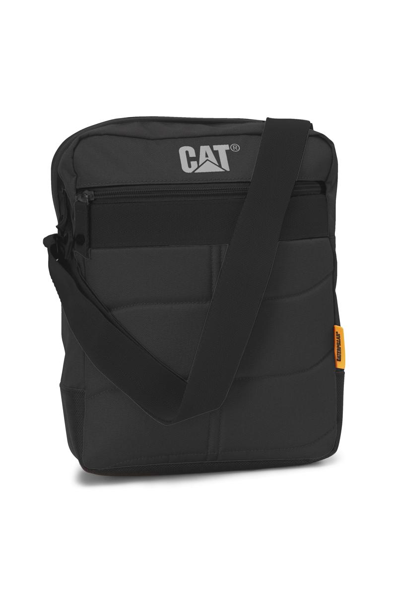 Сумка-планшет Caterpillar Ryan, цвет: черный, 7 л80005-01Стильная сумка-планшет Caterpillar Ryan выполнена из полиэстера. Изделие имеет одно основное отделение, закрывающееся на застежку-молнию. Внутри имеется мягкий карман для планшета, который закрывается на хлястик с липучкой. Снаружи, на передней стенке находится прорезной карман на застежке-молнии. На задней стенке расположен накладной карман на липучке. Сумка оснащена регулируемым текстильным плечевым ремнем. Стильная сумка-планшет Caterpillar Ryan эффектно дополнит ваш образ и станет незаменимой в повседневной жизни.