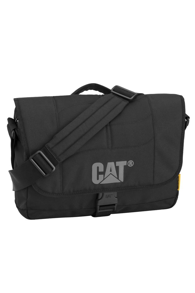 Сумка на плечо Caterpillar Caine, цвет: черный, 10 л83111-01Стильная сумка Caterpillar Caine выполнена из полиэстера. Изделие имеет одно основное отделение, закрывающееся на застежку-молнию. Внутри имеется мягкий карман для ноутбука (15,6), закрывающийся на хлястик с липучкой. Закрывается изделие на клапан с липучками и дополнительно на пластиковую защелку с регулируемым ремешком. Снаружи, на передней стенке под клапаном находится прорезной карман на застежке-молнии, внутри которого предусмотрен прорезной карман на застежке-молнии, сетчатый карман на резинке, два держателя для авторучек и текстильный ремешок с карабином для ключей. Сумка оснащена текстильным плечевым ремнем, который регулируется по длине, и удобной ручкой. Стильная сумка Caterpillar Caine станет незаменимой в повседневной жизни.
