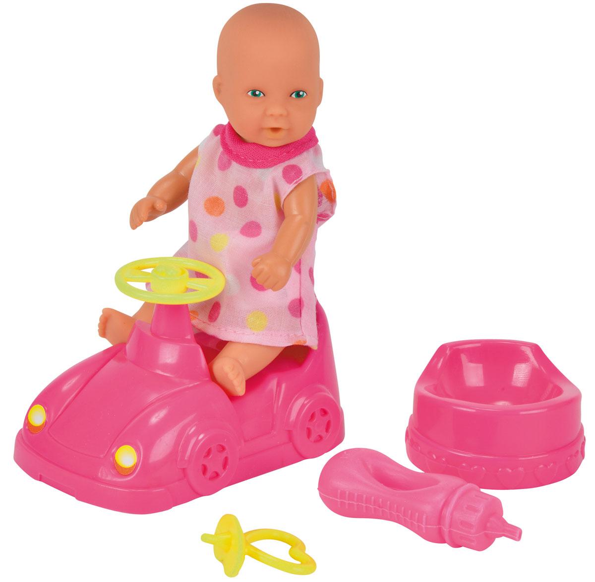 Simba Игровой набор Новорожденный с машинкой5039806Игровой набор Simba Новорожденный непременно приведет в восторг вашу дочурку. Кукла выполнена из высококачественного пластика. В набор входят: кукла-пупс, машинка, горшок, бутылочка, пустышка, игрушка. Пупс пьет и писает, совсем как настоящий малыш! Просто напоите ее из входящей в набор бутылочки, и через некоторое время кукла пописает. Руки, ноги и голова куклы подвижны, что позволяет придавать ей разнообразные позы. Игры с куклой способствуют эмоциональному развитию, помогают формировать воображение и художественный вкус, а также разовьют в вашей малышке чувство ответственности и заботы. Великолепное качество исполнения делают этот набор чудесным подарком к любому празднику.