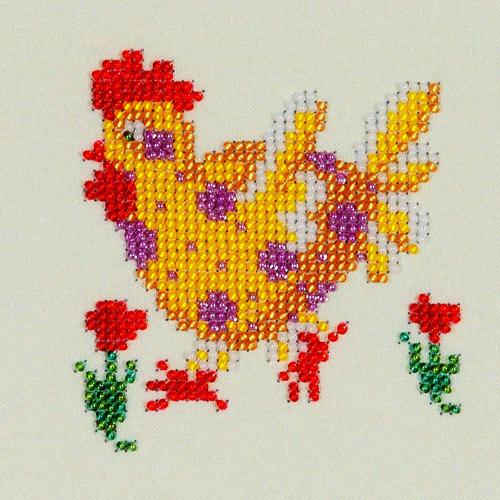 Набор для вышивания бисером Бисеринка Рябушка, 12 х 12 см486241Набор для вышивания Бисеринка Рябушка поможет вам создать свой личный шедевр - красивую картину, вышитую бисером на канве. Вышивание отвлечет вас от повседневных забот и превратится в увлекательное занятие! Работа, сделанная своими руками, создаст особый уют и атмосферу в доме и долгие годы будет радовать вас и ваших близких, а подарок, выполненный собственноручно, станет самым ценным для друзей и знакомых. Набор содержит: - бисер Preciosa Ornels (Чехия), - ткань (габардин) с нанесенным цветным рисунком-схемой, - игла, - инструкция на русском языке.
