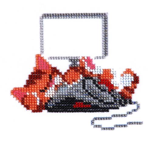 Набор для вышивания бисером Бисеринка Кот с мышкой, 12 см х 11 см486243Набор для вышивания Бисеринка Кот с мышкой поможет вам создать свой личный шедевр - красивую картину, вышитую бисером на канве. Вышивание отвлечет вас от повседневных забот и превратится в увлекательное занятие! Работа, сделанная своими руками, создаст особый уют и атмосферу в доме и долгие годы будет радовать вас и ваших близких, а подарок, выполненный собственноручно, станет самым ценным для друзей и знакомых. Набор содержит: - бисер Preciosa Ornels (Чехия), - ткань (габардин) с нанесенным цветным рисунком-схемой, - игла, - инструкция на русском языке.