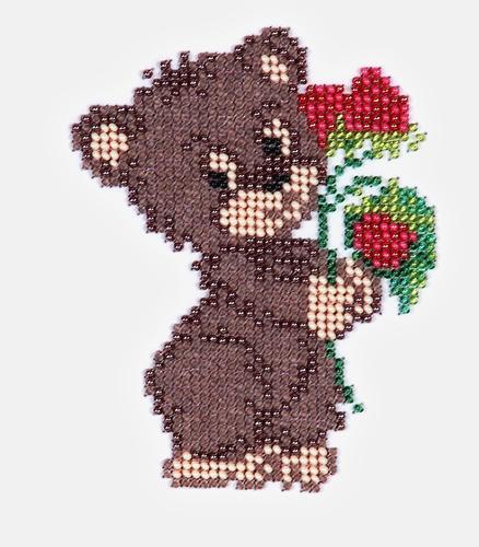 Набор для вышивания бисером Бисеринка Медвежонок, 9 х 12 см580579Набор для вышивания Бисеринка Медвежонок поможет вам создать свой личный шедевр - красивую картину, вышитую бисером на канве. Вышивание отвлечет вас от повседневных забот и превратится в увлекательное занятие! Работа, сделанная своими руками, создаст особый уют и атмосферу в доме и долгие годы будет радовать вас и ваших близких, а подарок, выполненный собственноручно, станет самым ценным для друзей и знакомых. Набор содержит: - бисер Preciosa Ornels (Чехия), - ткань (габардин) с нанесенным цветным рисунком-схемой, - игла, - инструкция на русском языке.