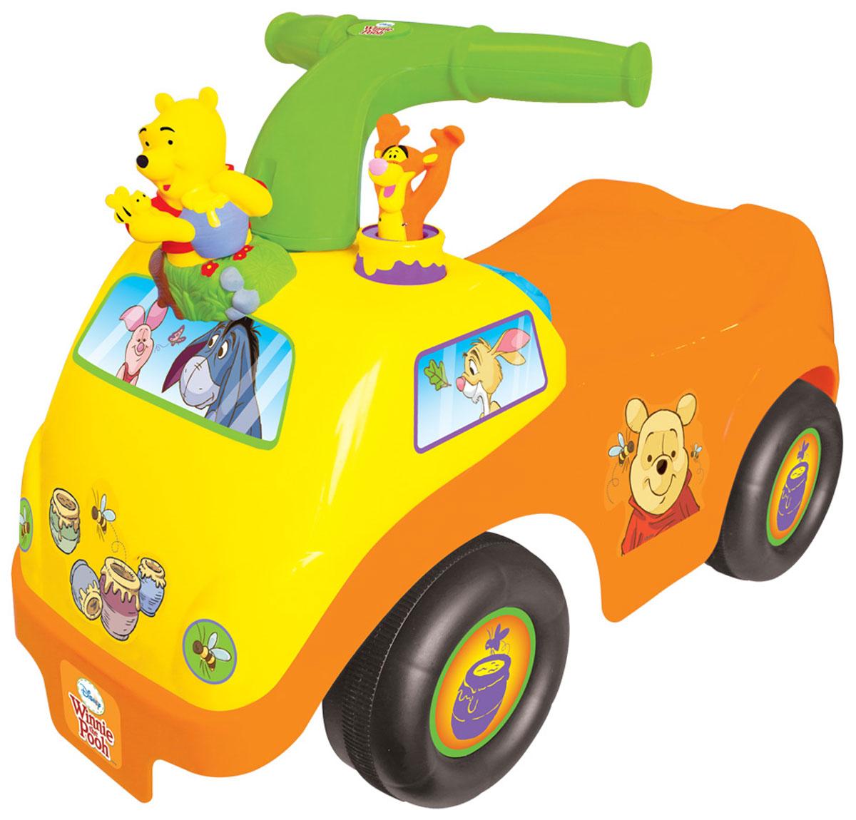Kiddieland Каталка-пушкар ВинниKID 050435Каталка-пушкар Kiddieland Винни украшена фигурками Тигры и Вини, нажав на которые, малыш услышит мелодии. Помимо фигурок, у каталки есть ключ зажигания, звуковые кнопочки и гудок, с которыми никогда не соскучишься. Особенности: Игрушка является надёжной опорой при ходьбе и первым транспортным средством крохи. Каталка имеет 4 широкие колеса, благодаря чему она устойчиво стоит и перемещается по поверхности. Также она снабжена упорами, предотвращающими её опрокидывание. На каталке ребёнок сможет кататься, отталкиваясь ногами от пола или использовать каталку в качестве ходунков, опираясь за высокую ручку и толкая её впереди себя. Удобное сиденье имеет шероховатую поверхность, чтобы малыш не соскальзывал во время катания. Ребёнок непременно обратит внимание на функциональные элементы, размещённые на передней панели: кнопки, ручки, рычаги, которые разнообразят игру и сделают её более увлекательной. Управлять...
