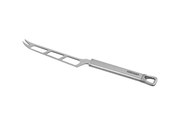 Нож для сыра Nadoba Karolina. 721047721047Высокая прочность и долговечность в использовании. Зеркальная полировка рабочих частей. Высококачественная нержавеющая сталь. Гарантия 5 лет.