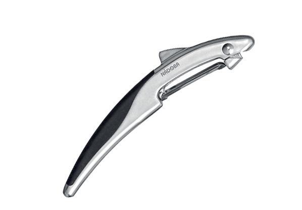 Овощечистка с плавающим лезвием, матовый хром, NADOBA, серия UNDINA . 721313721313Цинковый сплав с матовым хромированием. Высококачественная нержавеющая сталь. TPR-покрытие на рукоятках не позволяет выскальзывать инструментам. Гарантия 5 лет.