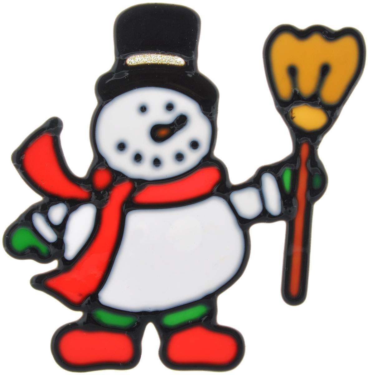 Новогоднее оконное украшение EuroHouse Снеговик с метлой, 12,5 см х 13 смЕХ 9045Новогоднее оконное украшение EuroHouse Снеговик с метлой - простой и быстрый способ создать эффективный декор на вашем окне, зеркале или любой стеклянной поверхности. Наклейка выполнена из пластика в виде забавного снеговика. Наклейка очень просто крепится к поверхности: достаточно снять с обратной стороны защитный слой, а затем наклеить ее на выбранное вами место. Такое оригинальное украшение преобразит интерьер вашего дома, а также может стать необычным подарком.