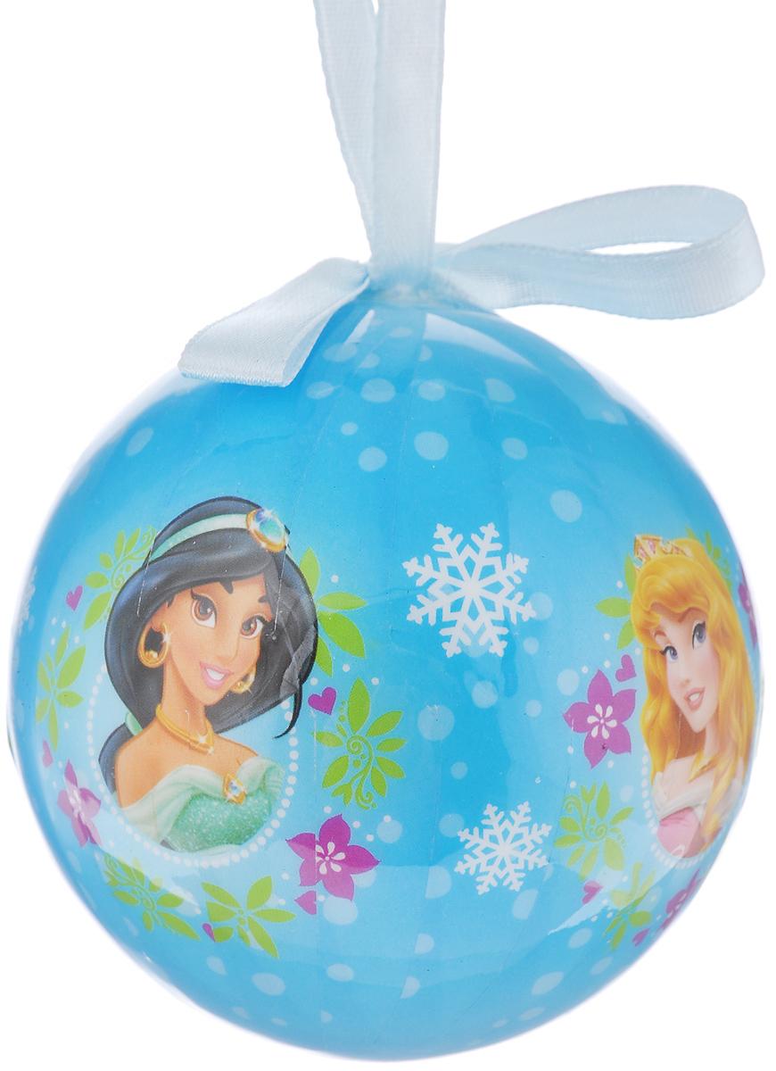 Новогоднее подвесное украшение Disney Принцессы, цвет: голубой, диаметр 7,5 см66356_3Подвесное украшение Disney Принцессы, выполненное из пенопласта, прекрасно подойдет для праздничного декора вашей ели. Оригинальное новогоднее украшение в виде шара оформлено ярким рисунком. С помощью специальной текстильной петельки его можно повесить в любом понравившемся вам месте. Но удачнее всего такая игрушка будет смотреться на праздничной елке. Елочная игрушка - символ Нового года и Рождества. Она несет в себе волшебство и красоту праздника. Создайте в своем доме атмосферу веселья и радости, украшая новогоднюю елку нарядными игрушками, которые будут из года в год накапливать теплоту воспоминаний.