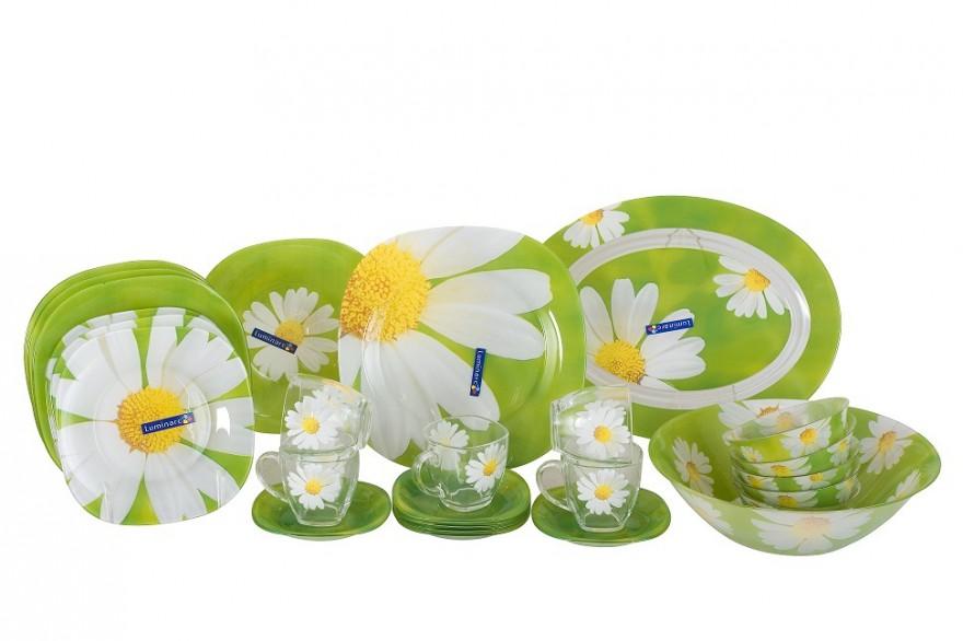 Набор столовой посуды Luminarc Paquerette, 38 предметовG8910Набор Luminarc Paquerette состоит из 6 суповых тарелок, 6 обеденных тарелок, 6 десертных тарелок, блюда, большого салатника, 6 малых салатников, 6 чашек, 6 блюдец. Изделия выполнены из ударопрочного стекла, имеют классический дизайн с изящным цветочным рисунком и красивую квадратную форму с закругленными краями. Посуда отличается прочностью, гигиеничностью и долгим сроком службы, она устойчива к появлению царапин и резким перепадам температур. Такой набор прекрасно подойдет как для повседневного использования, так и для праздников или особенных случаев. Набор столовой посуды Luminarc Paquerette - это не только яркий и полезный подарок для родных и близких, это также великолепное дизайнерское решение для вашей кухни или столовой. Изделия можно мыть в посудомоечной машине и использовать в микроволновой печи. Размер суповой тарелки: 21 см х 21 см. Высота суповой тарелки: 3,2 см. Размер обеденной тарелки: 25 см х 25 см....