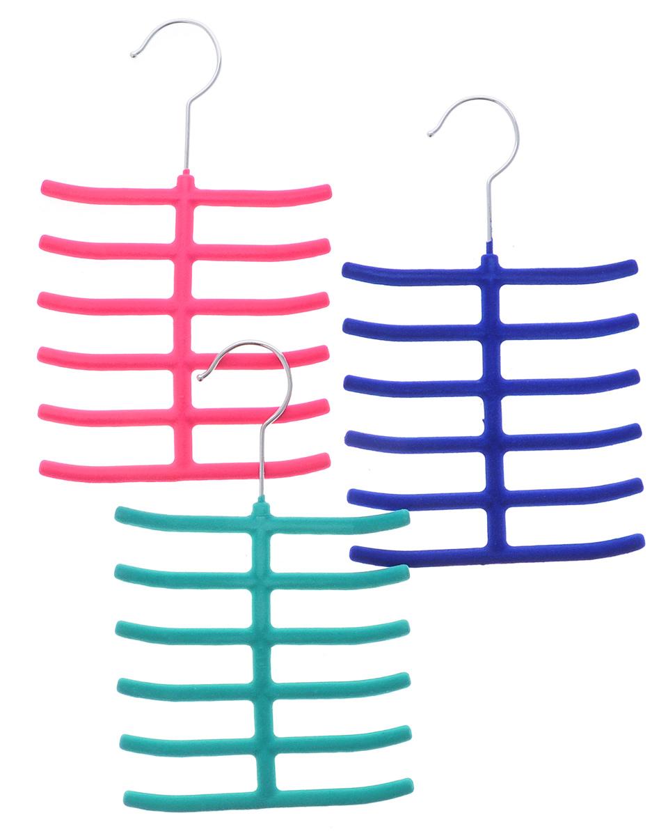 Набор вешалок для аксессуаров El Casa, цвет: зеленый, розовый, синий, ширина 16 см, 3 шт150041Набор разноцветных вешалок El Casa, изготовленный из пластика, имеет велюровое антискользящее покрытие. Благодаря перекладине и выемкам изделия подходят для универсального использования. Они безупречно справятся с хранением не только мужских, но и женских аксессуаров. Вешалка - это незаменимая вещь для того, чтобы ваша одежда всегда оставалась в хорошем состоянии. Комплектация: 3 шт. Размер вешалки: 26 см х 16 см х 0,8 см.