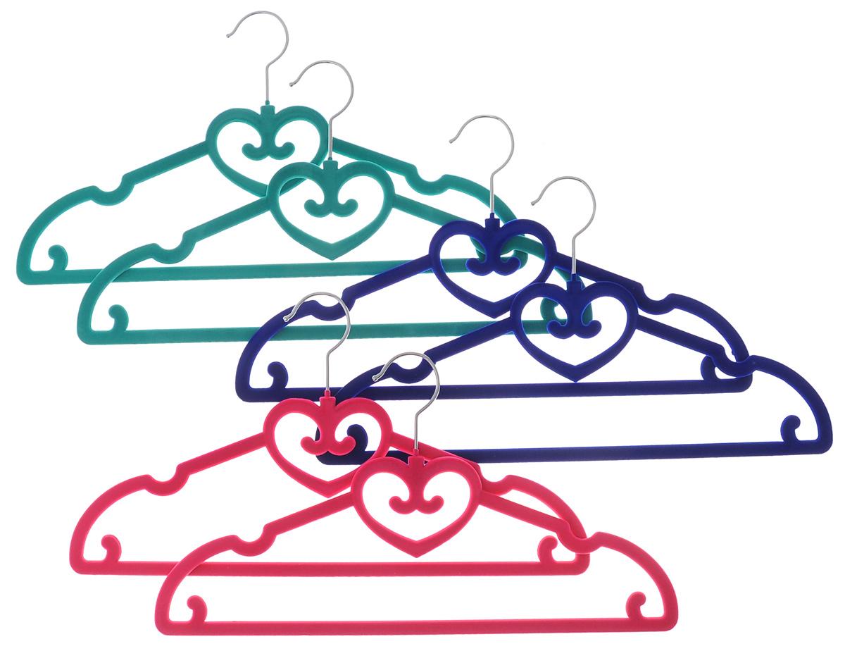 Набор вешалок El Casa Сердечки, цвет: зеленый, розовый, синий, 6 шт150021Набор вешалок El Casa Сердечки состоит из 6 разноцветных вешалок, изготовленных из пластика c велюровым антискользящим покрытием. Изделия имеют легкий и прочный каркас, вращающийся крючок, перекладину и выемки для юбок или маечек. Вешалка - это незаменимая вещь для того, чтобы ваша одежда всегда оставалась в хорошем состоянии. Набор El Casa Сердечки станет практичным и полезным в вашем гардеробе. С ним ваша одежда избежит ненужных растяжек и провисаний. Комплектация: 6 шт. Размер вешалки: 40 см х 0,5 см х 22 см.