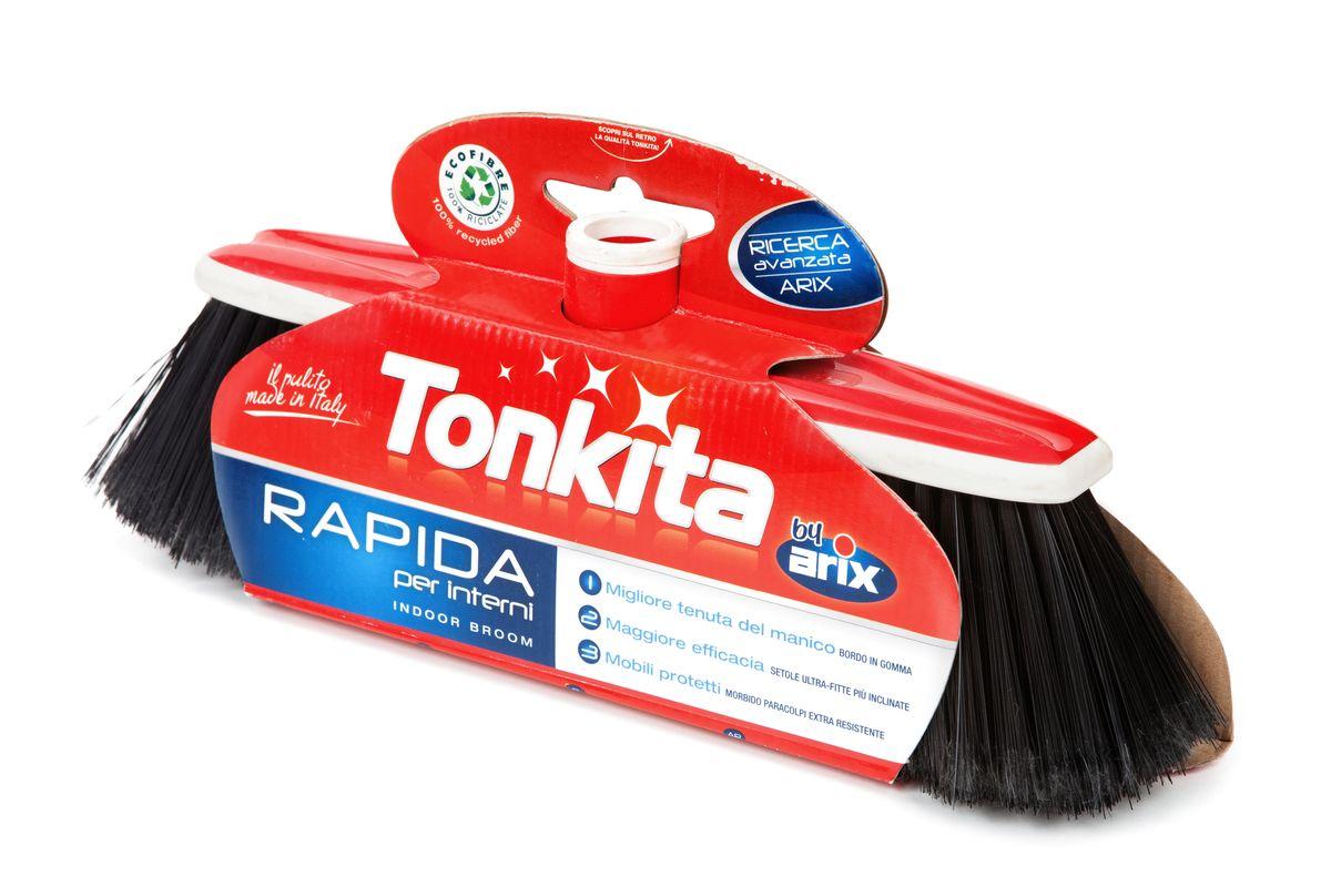 Щетка для уборки пола Tonkita RapidaTK615Щетка Tonkita Rapida идеальна для уборки пола и других ровных поверхностей. Прочный резиновый ободок для защиты мебели. Щетина высокого качества снимает статическое электричество, идеальна даже для мельчайшей пыли. Все материалы подлежат 100% переработке. Резьба подходит для всех стандартных черенков. Размер рабочей поверхности: 31 см х 6 см. Высота щетины: 8 см.