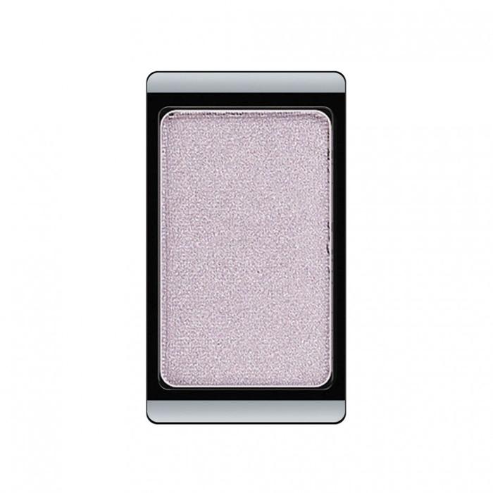 Artdeco Тени для век, перламутровые, 1 цвет, тон №98, 0,8 г30.98Перламутровые тени для век Artdeco придадут вашему взгляду выразительную глубину. Их отличает высокая стойкость и невероятно легкое нанесение. Это профессиональный продукт для несравненного результата! Упаковка на магнитах позволяет комбинировать тени по вашему выбору в элегантные коробочки. Тени Artdeco дарят возможность почувствовать себя своим собственным художником по макияжу! Характеристики: Вес: 0,8 г. Тон: №98. Производитель: Германия. Артикул: 30.98. Товар сертифицирован.