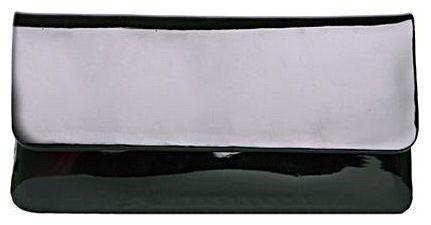 Клатч женский Milana, цвет: черный. 132130-1-710132130-1-710Клатч Milana выполнен из искусственной лакированной кожи. Изделие закрывается клапаном с магнитной застежкой и дополнительно на застежку-молнию. Внутри - одно большое отделение. Также внутри - один втачной карман на застежке-молнии и два накладных кармана для телефона и всяких мелочей. На внутренней стороне сумки есть небольшое зеркальце. Изделие оснащено удобным плечевым ремнем-цепочкой. В этом сезоне этот модный аксессуар поможет вам быть в тренде!
