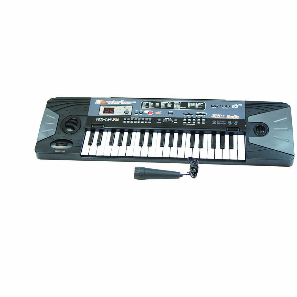 Пианино MQ-007FM с микрофоном и радиоMQ-007FMМузыкальные таланты нужно развивать с самых первых лет. Поэтому и первые музыкальные инструменты у крохотных гениев могут появляться очень рано. Такое пианино, работающее от сети, обрадует любого малыша! В комплект входит микрофон, есть радио.