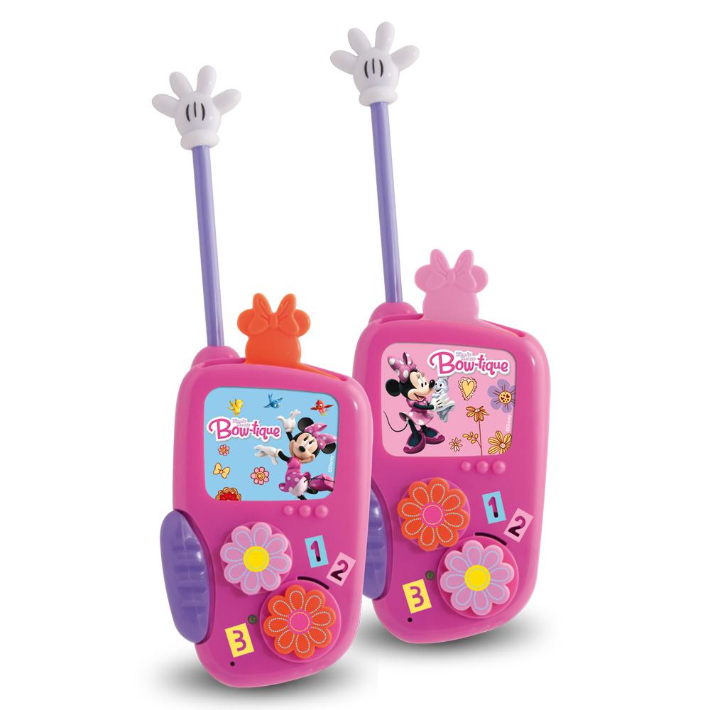 Рация Minnie180888Рации Minnie обязательно понравятся девочкам. Ведь теперь они тоже могут придумывать свои игры про шпионок. Рации выполнены в виде розового телефона с гибкой антенной. Для того чтобы начать разговор, необходимо нажать кнопку, а для прослушивания отпустить. Рации действуют в радиусе до 80 метров. Картинки на дисплее меняются.