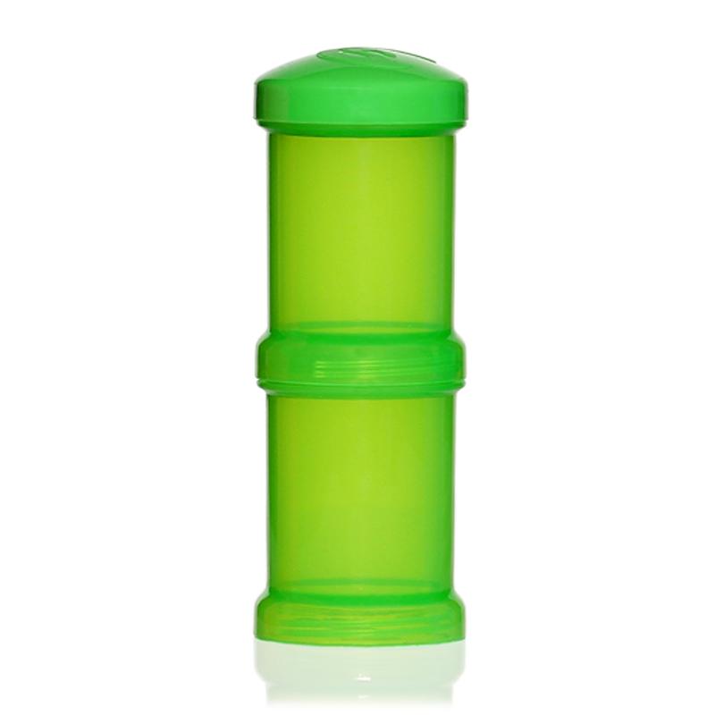 Twistshake Контейнер для сухой смеси 100 мл 2 шт зеленый 7802678026Контейнер для сухой смеси Twistshake 100 мл, зеленый Все продукты Twistshake созданы для взаимодействия друг с другом, чтобы процесс приготовления и кормления малыша превратился в удовольствие. Контейнер для сухой смеси позволяет взять с собой необходимую порцию для приготовления питания ребенку. Просто насыпьте в контейнер необходимое количество сухой смеси и поместите контейнер в бутылочку. Как и бутылочки Twistshake, контейнеры выполнены в ярких сочных цветах. Поэтому это не только необходимый аксессуар для кормления ребенка, но и модный атрибут образа мамы. А как понравятся подрастающему и сделавшему первые шаги ребенку эти лиловые, зеленые, голубые и оранжевые оттенки! В комплекте: два контейнера для хранения сухой смеси с крышечками объемом 100 мл каждый. Достоинства: • Модные и яркие цвета придутся по вкусу и детям, и родителям; • Контейнеры можно ставить друг на друга, чтобы сэкономить пространство; • Крышечки, которые входят в комплект не позволят содержимому...