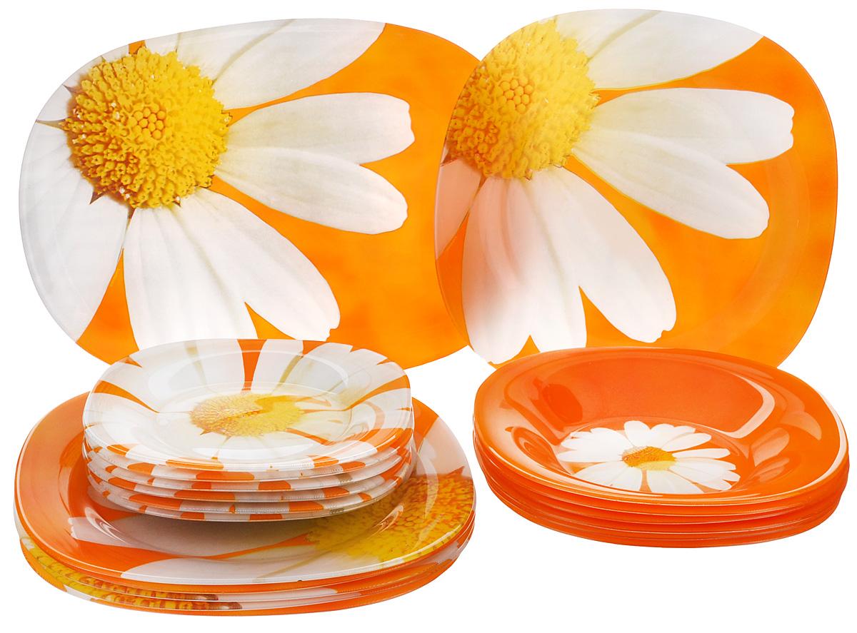 Набор столовой посуды Luminarc Paquerette Melon, 19 предметовG8947Набор Luminarc Paquerette Melon состоит из 6 суповых тарелок, 6 обеденных тарелок, 6 десертных тарелок и овального блюда. Изделия выполнены из ударопрочного стекла, имеют яркий дизайн с изящным цветочным рисунком и квадратную форму. Посуда отличается прочностью, гигиеничностью и долгим сроком службы, она устойчива к появлению царапин и резким перепадам температур. Такой набор прекрасно подойдет как для повседневного использования, так и для праздников или особенных случаев. Набор столовой посуды Luminarc Paquerette Melon - это не только яркий и полезный подарок для родных и близких, а также великолепное дизайнерское решение для вашей кухни или столовой. Можно мыть в посудомоечной машине и использовать в микроволновой печи. Размер суповой тарелки: 21 см х 21 см. Высота суповой тарелки: 3,5 см. Размер обеденной тарелки: 25,7 см х 25,7 см. Высота обеденной тарелки: 1,9 см. Размер десертной тарелки: 18,5 см х 18,5...