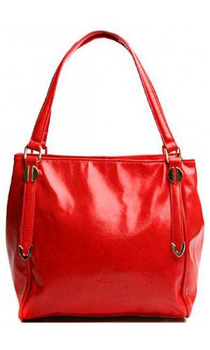 Сумка женская Milana, цвет: красный. 151608-1-140151608-1-140Элегантная сумка Milana выполнена из искусственной кожи. Изделие закрывается на застежку-молнию. На лицевой стороне изделия - один втачной карман на застежке-молнии. Внутри - одно большое отделение. Также внутри - один втачной карман на застежке-молнии, один навесной карман на застежке-молнии и два не больших накладных кармашка для телефона и разных мелочей. Сумка дополнена продольным карабином. На дне сумки расположены металлические ножки, что помогает защитить ее от механических повреждений. В этом сезоне этот модный аксессуар поможет вам быть в тренде!