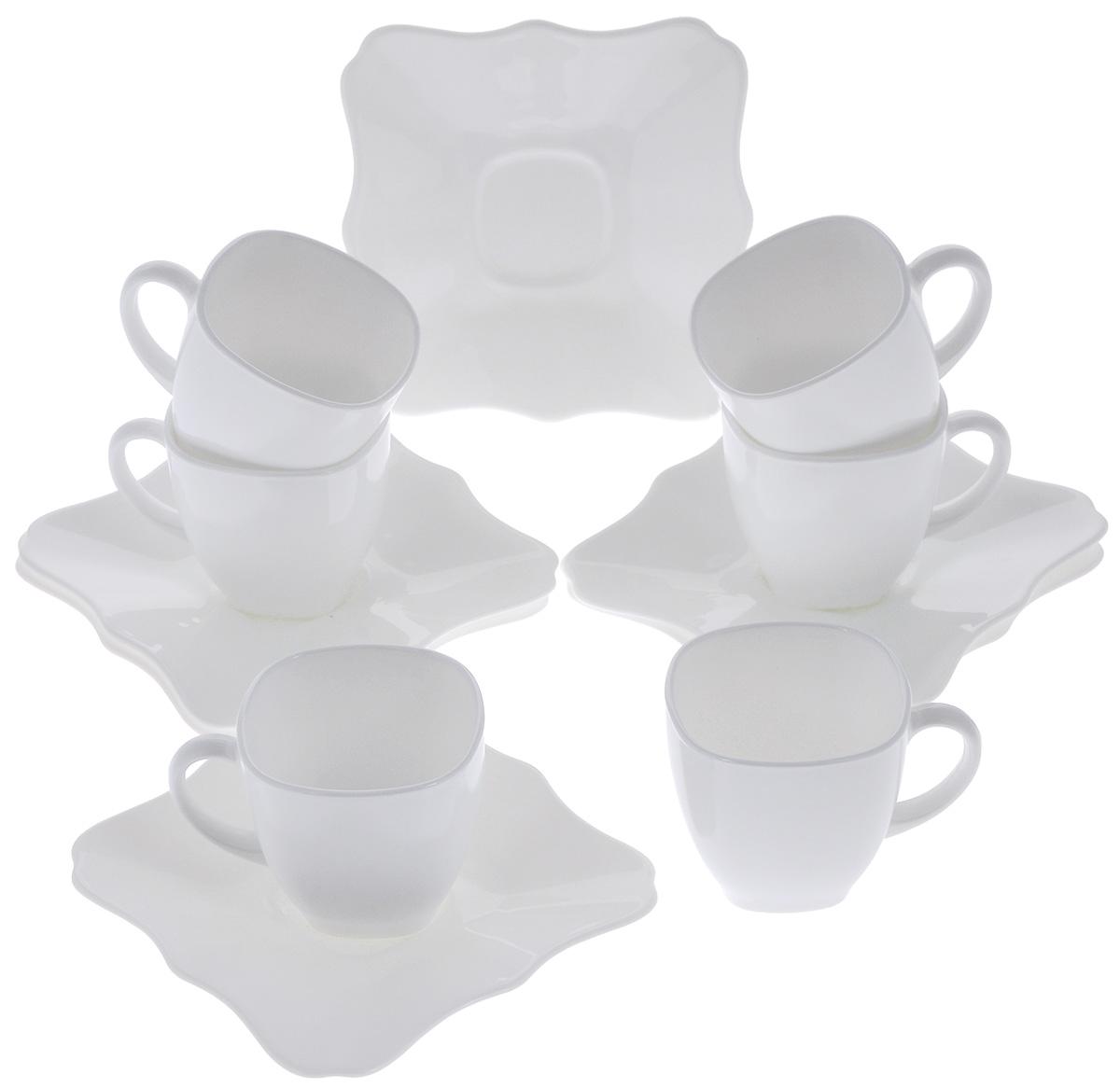 Набор чайный Luminarc Authentic, цвет: белый, 12 предметовD8766Чайный набор Luminarc Authentic состоит из 6 чашек и 6 блюдец. Изделия выполнены из высококачественного ударопрочного стекла, имеют строгий лаконичный дизайн. Блюдца квадратной формы декорированы красивыми резными краями. Посуда отличается прочностью, гигиеничностью и долгим сроком службы, она устойчива к появлению царапин и резким перепадам температур. Такой набор прекрасно подойдет как для повседневного использования, так и для праздников или особенных случаев. Чайный набор Luminarc Authentic - это не только яркий и полезный подарок для родных и близких, это также великолепное дизайнерское решение для вашей кухни или столовой. Объем чашки: 220 мл. Размер чашки: 7,5 см х 7,5 см х 7,5 см. Размер блюдца: 15 см х 15 см х 1,6 см.