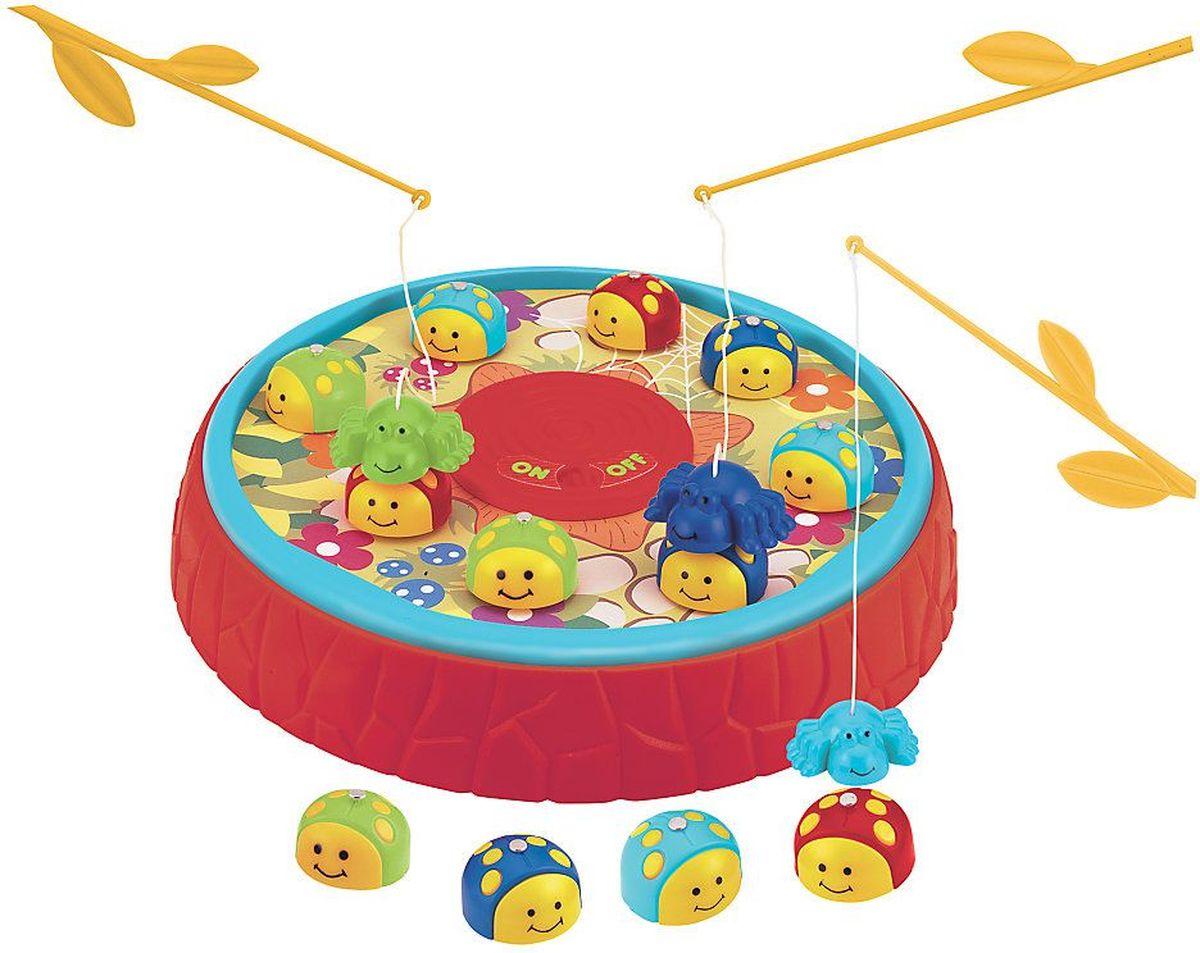ELC Настольная игра Развивающая игра Ловим букашек120609Поймайте насекомых с помощью магнитной удочки, чем меньше букашек на поле тем сложнее их ловить, кто больше поймает, тот и выиграл! Игра для 1-2 игроков. Игрушка поощряет ребенка к достижению нужного ему результата, отлично развивает координацию движений и навыки счета. Длина удочки: 20,5 см. Диаметр игровой платформы: 25,5 см. Размер букашки: 3 см x 2 см x 3 см. Размер упаковки: 26 см x 26 см x 5,5 см. Рекомендуется докупить 1 батарею мощностью 1,4V типа LR14 (не входит в комплект).