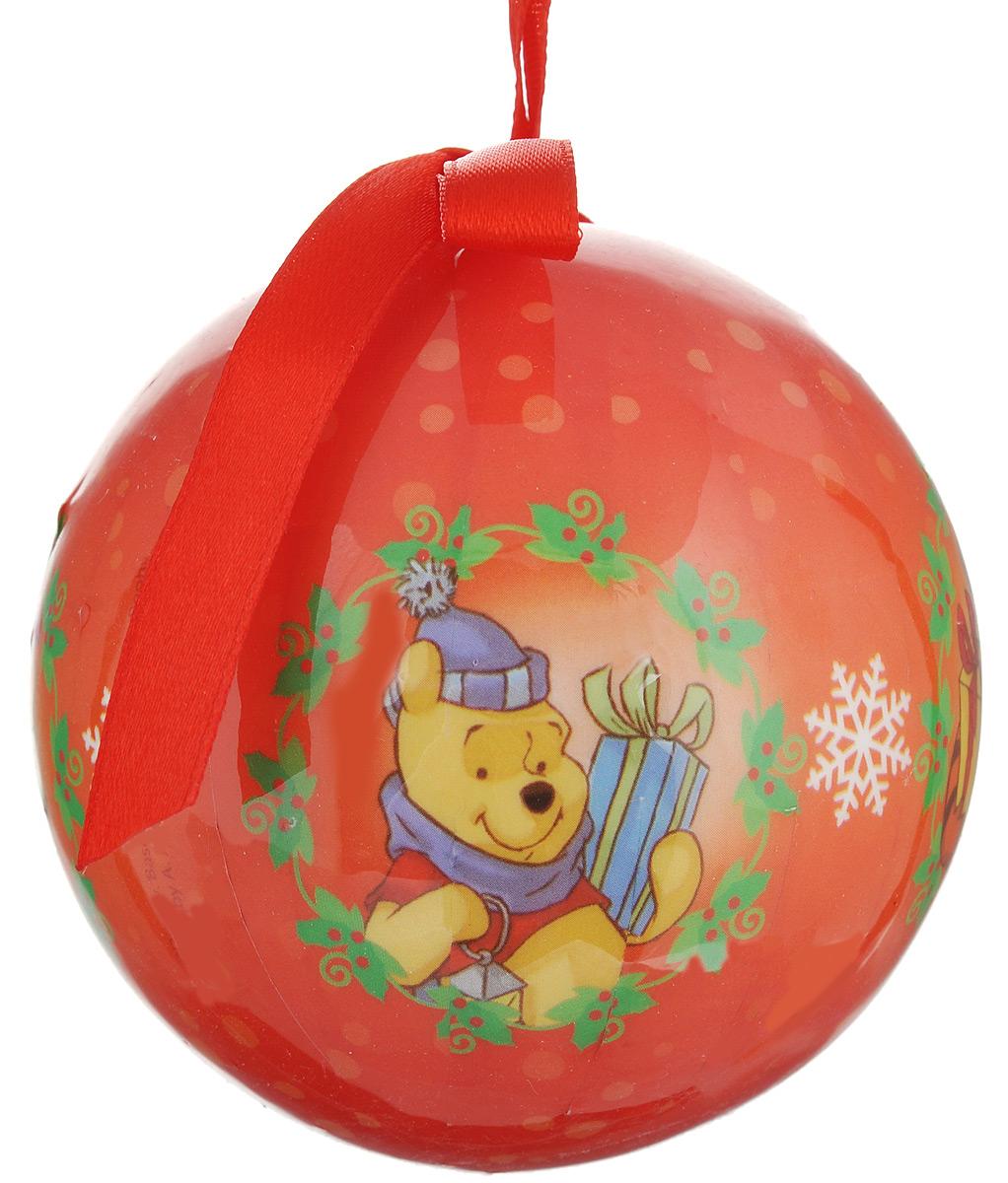 Новогоднее подвесное украшение Disney Винни и его друзья, цвет: оранжевый, диаметр 7,5 см66357_2Подвесное украшение Disney Винни и его друзья, выполненное из пенопласта, прекрасно подойдет для праздничного декора вашей ели. Оригинальное новогоднее украшение в виде шара оформлено ярким рисунком. С помощью специальной текстильной петельки его можно повесить в любом понравившемся вам месте. Но удачнее всего такая игрушка будет смотреться на праздничной елке. Елочная игрушка - символ Нового года и Рождества. Она несет в себе волшебство и красоту праздника. Создайте в своем доме атмосферу веселья и радости, украшая новогоднюю елку нарядными игрушками, которые будут из года в год накапливать теплоту воспоминаний.